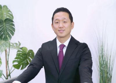 Young-Hwan Lee